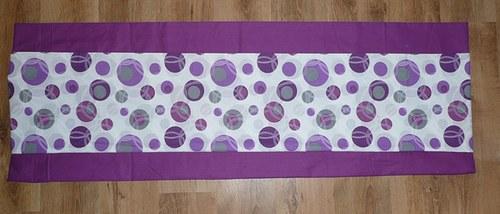 Bublinový kapsář ve fialové kombinaci
