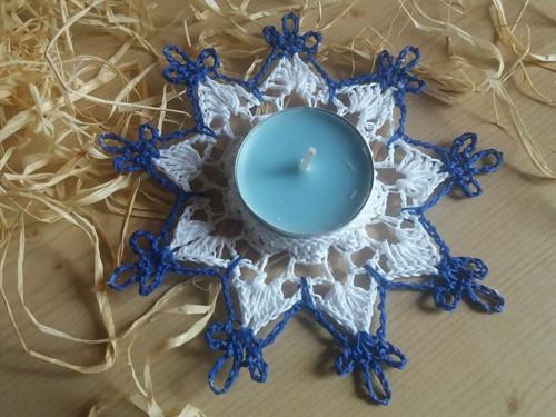 bílo- modrý svícen