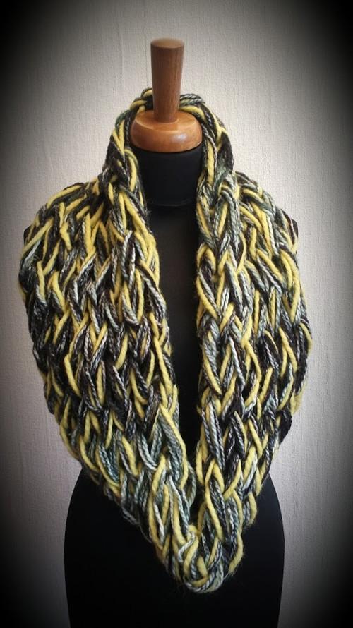 Žlutočerná pletená