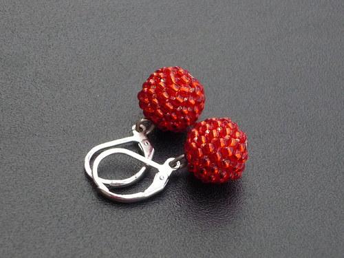 červené kuličky