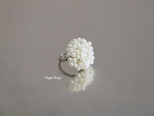 Prsten perličkový