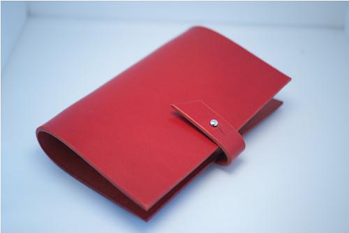 Malý kožený obal na zápisník A6-červený