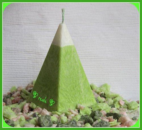"~ Palmová svíčka \""pyramida\"" ~"