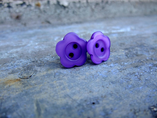 Knoflíkové náušnice - fialkové