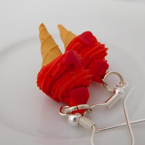 mini červené zmrzlinky se srdíčky