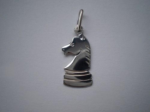 Šachová figurka (přívěsek)