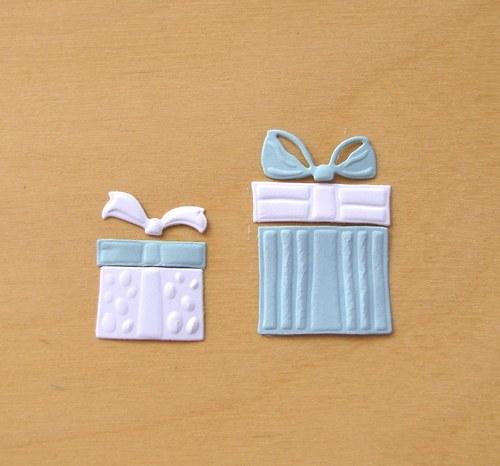 Dvě dárkové krabice s mašlemi