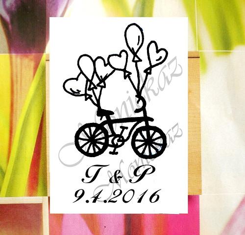 Svatební kolo s iniciály a datem... Omyvatelné.