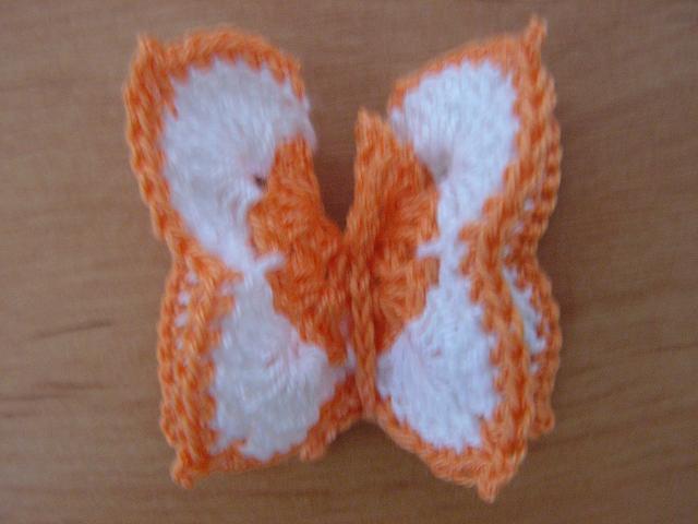 Háčkovaný motýl