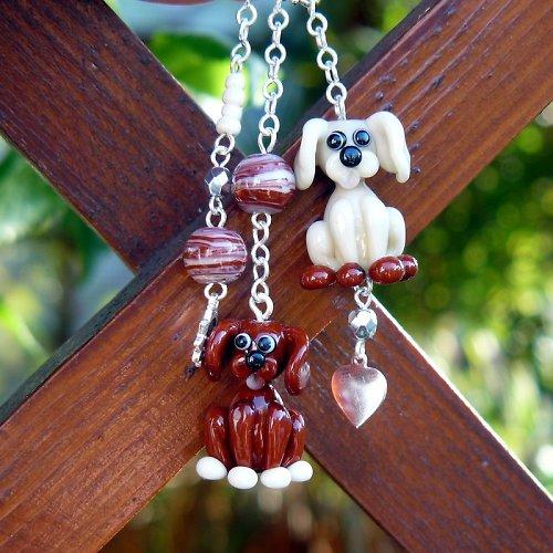 Přívěsek na karabině - pes - vinuté perle