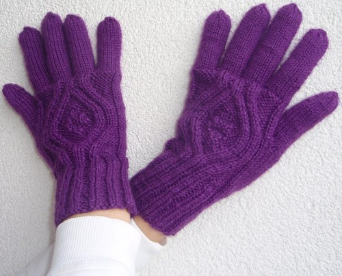 Rukavičky Sytě fialové pletené, prstové