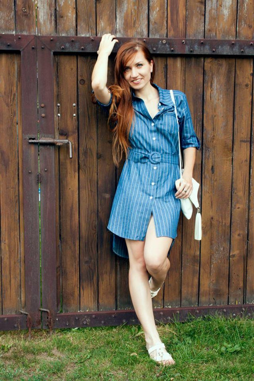 Modré košilové šaty s proužkem