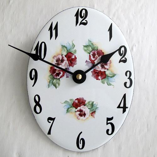 Smaltované hodiny 261