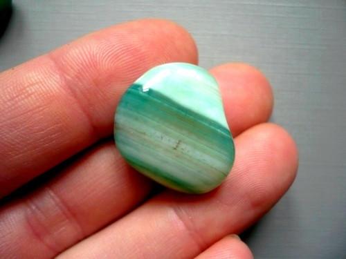Troml. kámen – achát zelený 24 mm, č.21