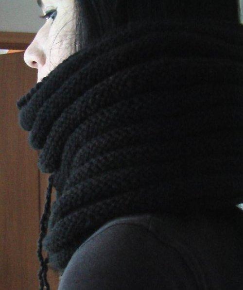 Módní nákrčník - kukla černá