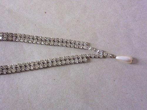 Štrasový náhrdelník s perličkou