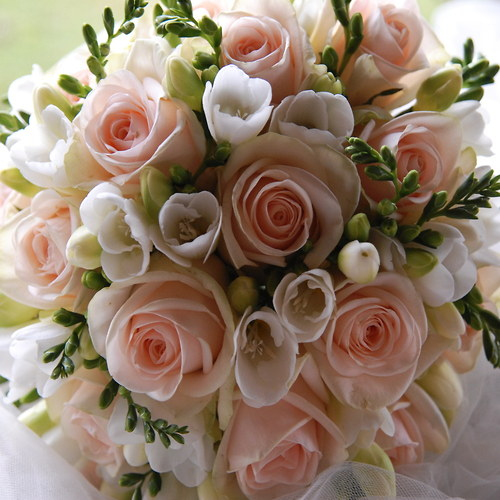 Valentýnská svatební kytice