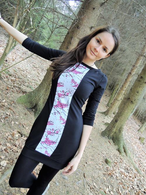 Sakura šaty