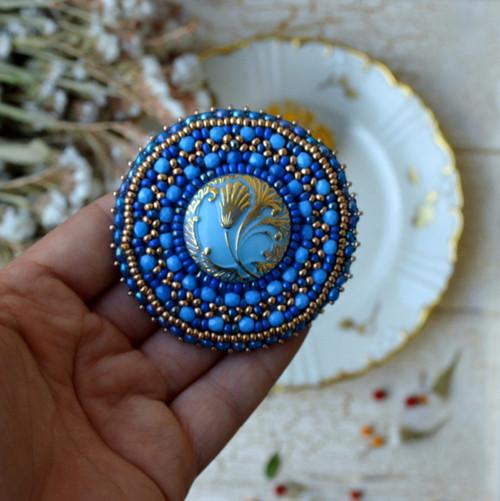 Blue Tulip - vyšívaná brož