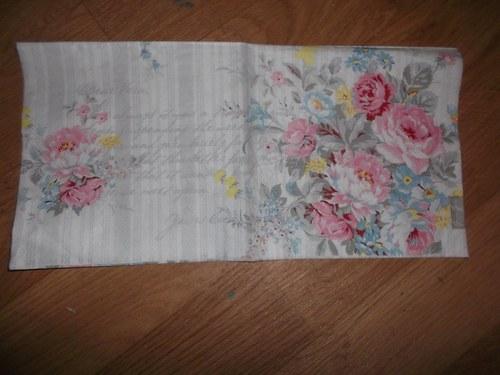 Ubrousek na decoupage - květiny,proužky,psaní