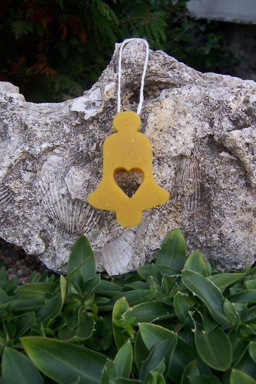 Vánoční ozdoba zvonek srdce 100% včelí vosk