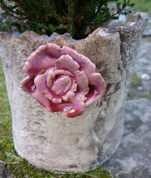 Květináč s kytičkou