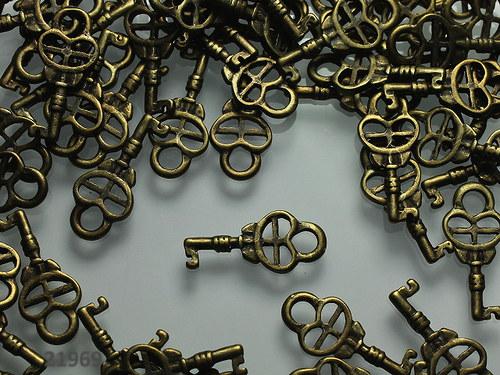 21969 Vintage přívěšek KLÍČ bronz, bal. 5ks!!