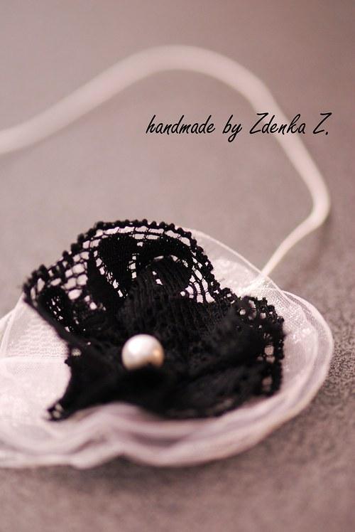 Bílo - černá čelenka