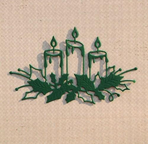 Tři svíčky s cesmínou