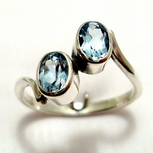 Prsten «Pusinka» - stříbro 925/1000, modrý topaz