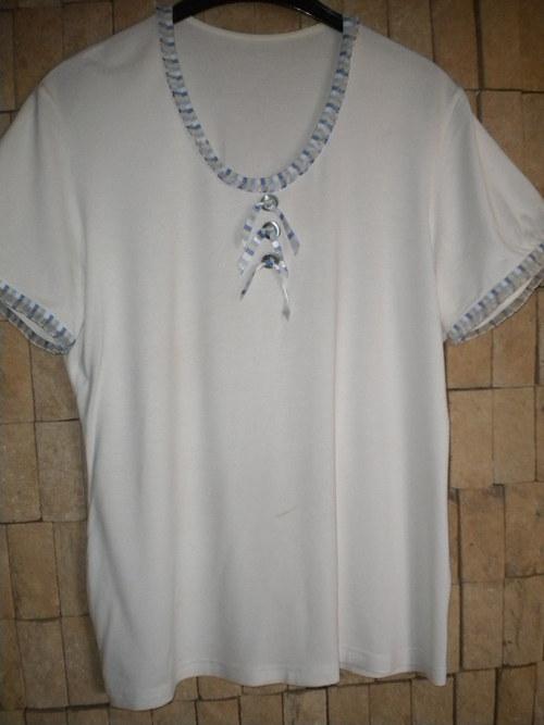 Bílé tričko s krátkým rukávkem