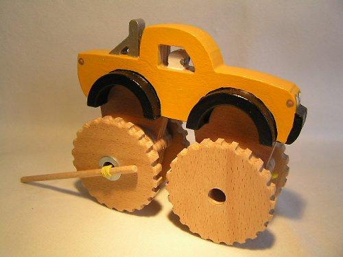 Offroad na gumový pohon - drevená hračka