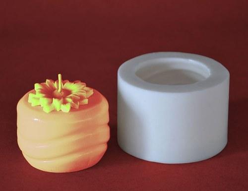 Forma na svíčky Válec vlnky nízký s kopret. 4,5cm