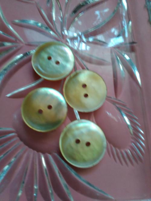 Perleťové knoflíky