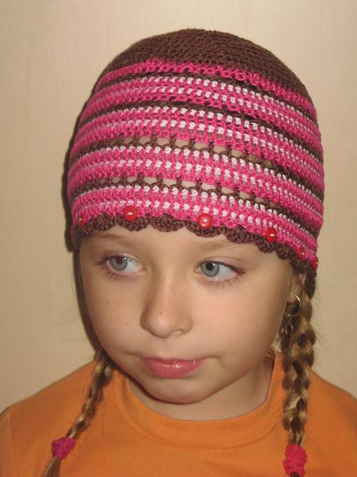 hnědo-růžová jarní čepice