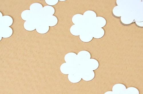 Květinka - 50 ks - papírová na dekorace, scrapbook