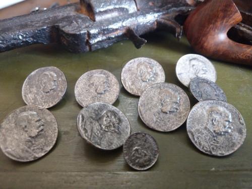 Starožitné kovové knoflíky 7ks 2,7 cm č.17