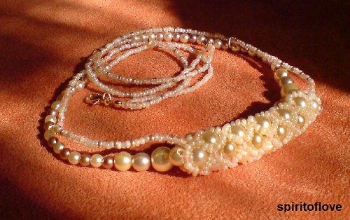 Pletený pearl náhrdelník