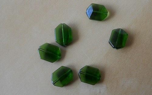 AKCE!!! Zelené mačkané korálky 17x13 mm - 10 ks