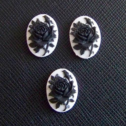 kamej růže černá, 13x18 mm, 1ks
