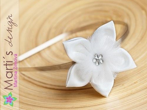 Květina na čelence stříbrné
