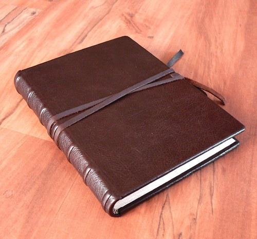 Deník kožený decentní