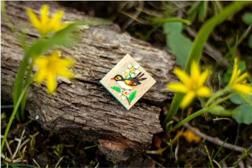 Ručně malovaná brož s ptáčkem - mini