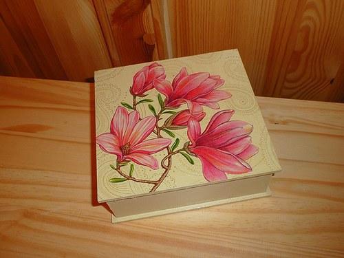 Krabička - magnolie