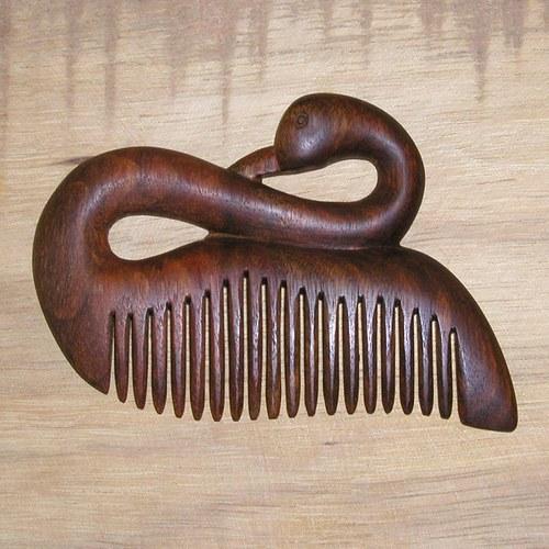 Hřeben dřevěný labuť