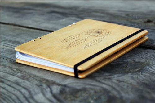 Diář + zápisník s lapačem