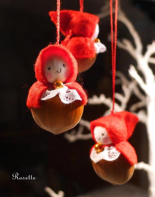 Skřítek lískový vánoční - ozdoba