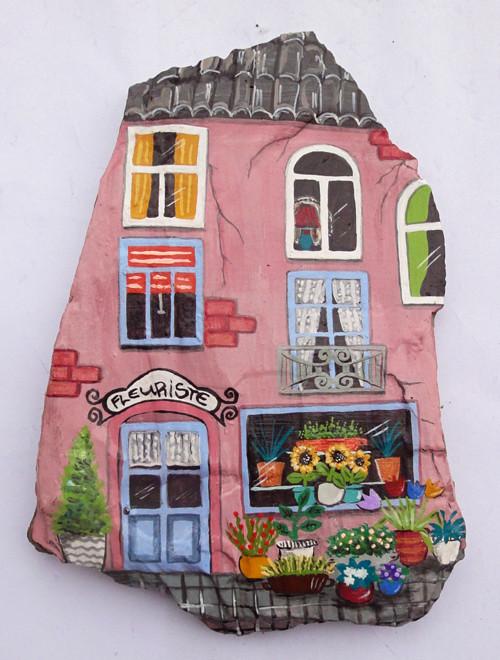 Malovaný kámen - dům s květinářstvím
