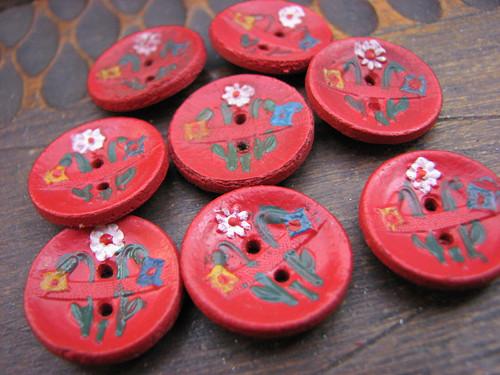 Na červené louce...staré  malované knoflíky