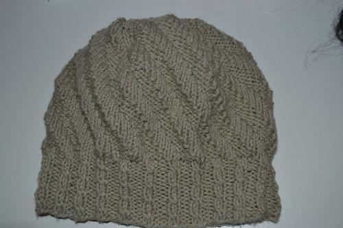 Dámská pletená čepice na chladný podzim